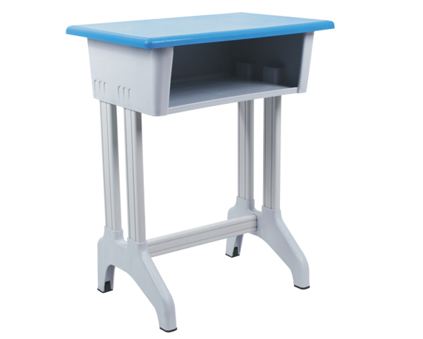 对于学生课桌椅相信您是十分的熟悉了,而随着我们生活水平的不断提高,学生课桌椅也几乎是一年更换一批,那么学校该如何保养学生课桌椅呢?下面我们课桌椅厂来向您了解小学生课桌椅保养须知,来让您对其有更好的理解。  首先来说学生课桌椅保养应该从使用者自身做起,不要在课桌椅上乱涂乱画,而且做到不砸不踢课桌椅。此外小学生课桌椅也最好放在空气流通、比较干燥的地方,不要靠近火源或潮湿的墙壁,同时也需要避免太阳曝晒。 其次,学生课桌椅上的尘土,也应该用毛掸清除,尽量不要用带水的抹布进行擦洗,同时也不能用碱水、肥皂水、洗衣粉等